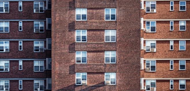 Appartamento parte di due condominii